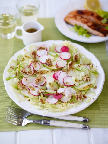 Radish, green apple and walnut salad