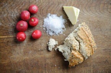 Radishes, salt and bread